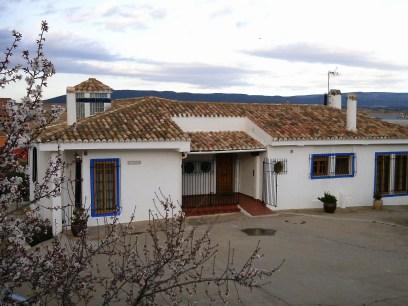 Entrada vivienda Olivar